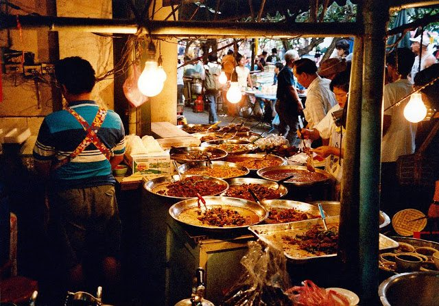 street-food-bangkok-central-world-stalls