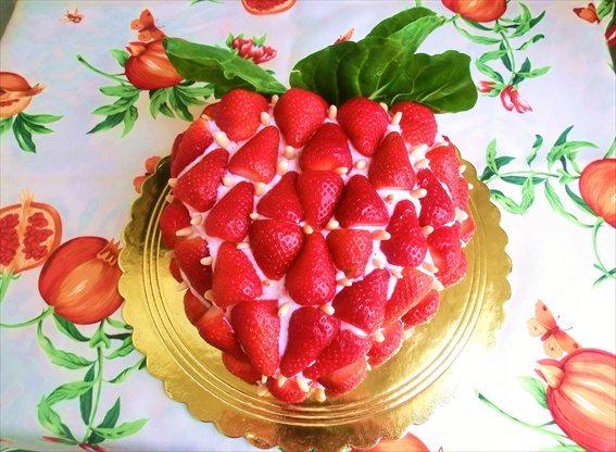 torta-alle-fragole-e-cioccolato-bianco
