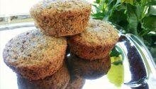 Muffins con rosa canina, semi di papavero e nocciole