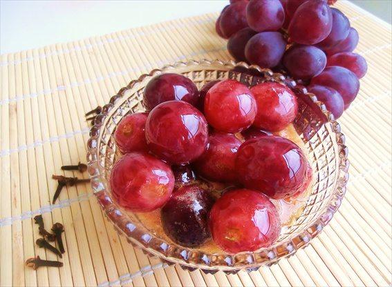 uva-marinata-al-miele-aceto-e-spezie