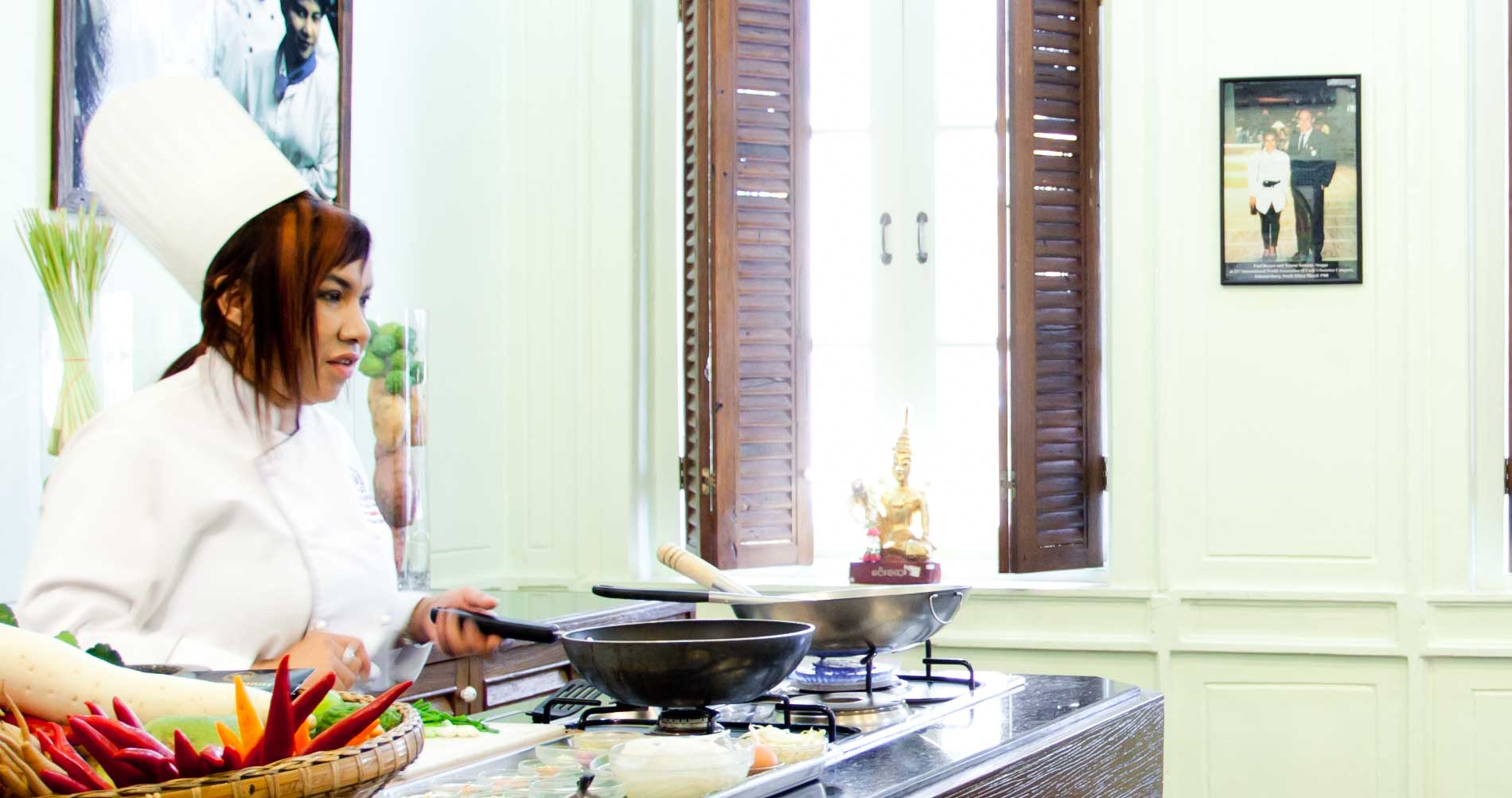 scuola-di-cucina-al-blue-elephant_14-5759632